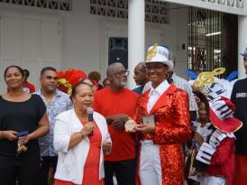 Mi-Carême, le Golden Stars 114 reçoit la médaille de la ville