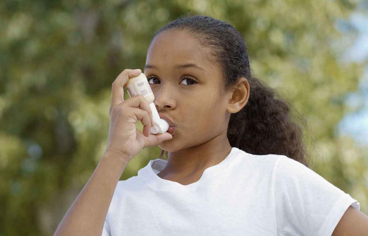 2048x1536-fit_illustration-enfant-souffrant-asthme